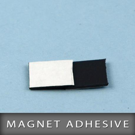 Magnet adhésive en format 15X15mm